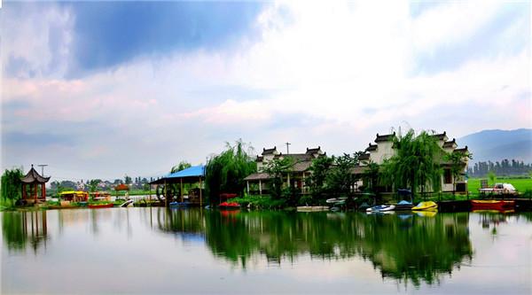师宗菌子山风景区,凤凰谷风景区,陆良彩色沙林风景区,沾益珠江源风景